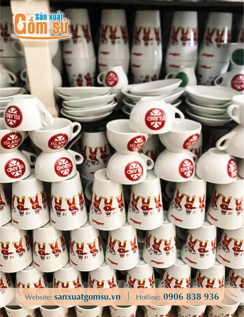 Tổng hợp những mẩu cốc sứ trắng được dùng làm quà tặng nhiều nhất hiện nay