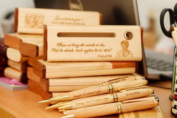 Bút gỗ - Quà tặng khuyến mãi , quà tặng doanh nghiệp cuối năm