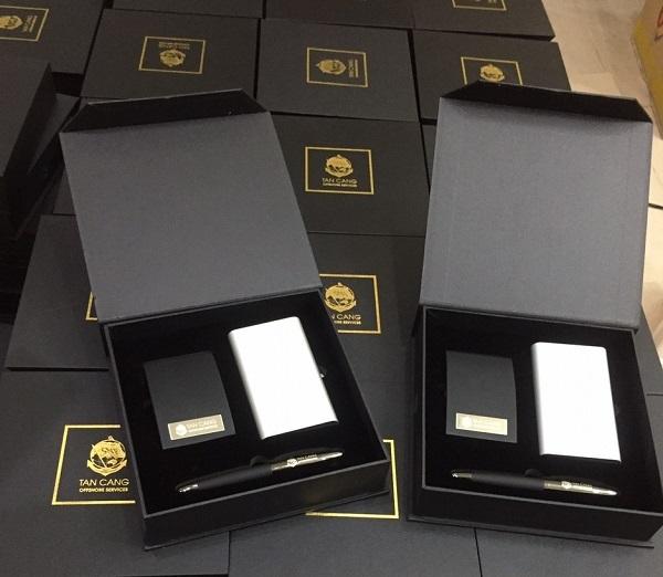 Gợi ý quà tặng kỷ niệm họp lớp in logo giá rẻ tại tphcm