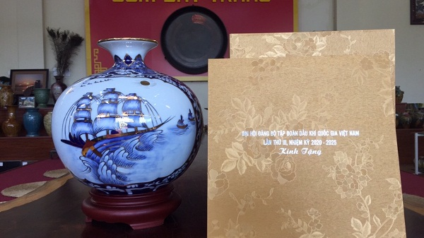 Địa chỉ cung cấp sản xuất bình hút lộc phong thủy làm quà tặng cuối năm cho doanh nghiệp