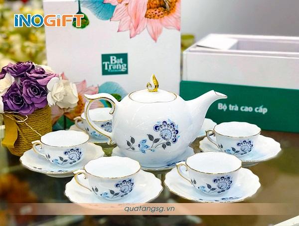 Bộ trà hoa xanh họa tiết lạ mắt, hiện đại