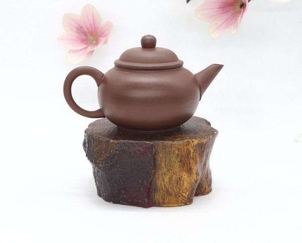 Ấm trà an thổ túc bề mặt trơn nhẵn, mịn màng, sang trọng