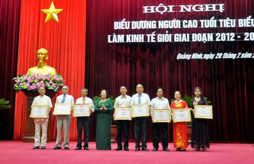 Cung cấp quà tặng kỉ niệm ngày thành lập Hội người cao tuổi Việt Nam 2021