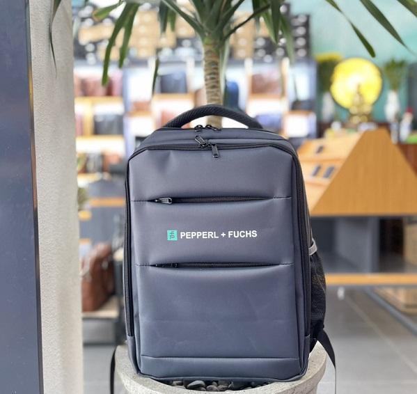 ản xuất balo túi xách làm quà tặng khách hàng, công nhân viên công ty in logo theo yêu cầu